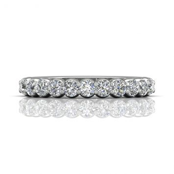 Alliance à diamant pavé classique demi éternité