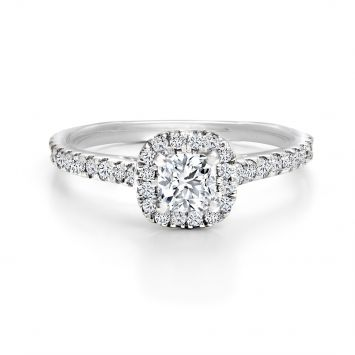 Halo ring set with a cushion diamond 1.01CT