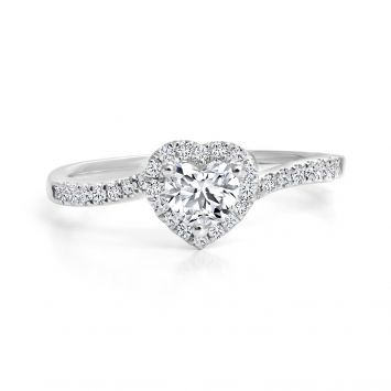 Solitaire ring set with a BL heart diamond