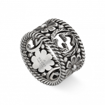 RING WITH FLOWER MOTIF